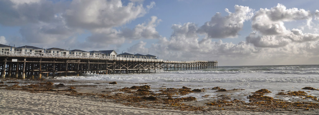 Crystal pier, San Diego, California, USA